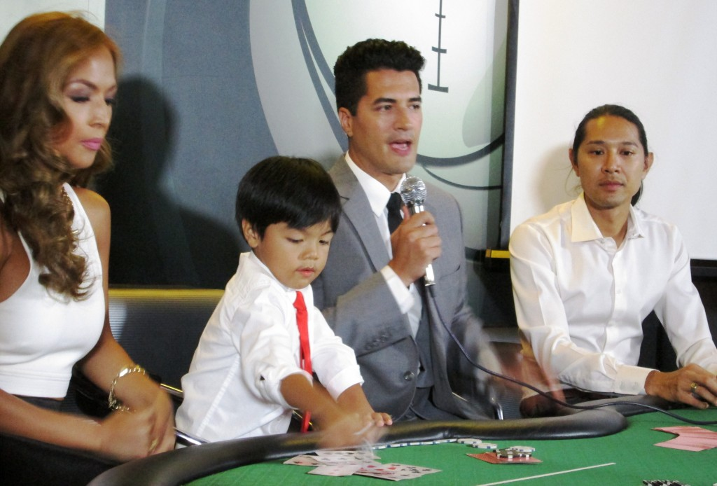 Troy Montero, Aubrey Miles, their son Hunter and Mr. Ian King, Managing Director of Victoria Court