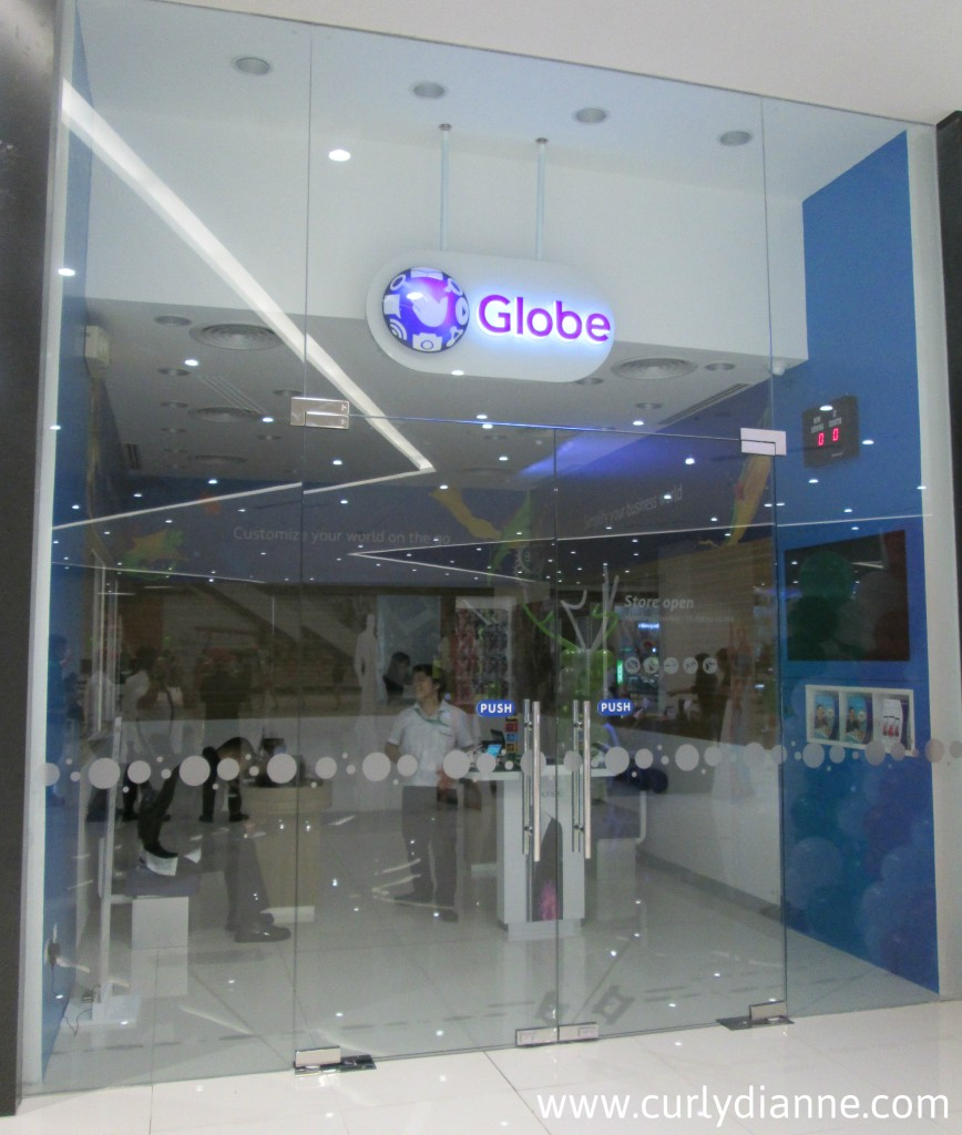 Globe Telecom at SM Light Cyberzone